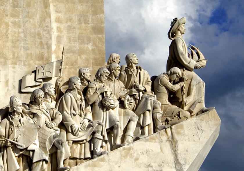 Monumento de los descubrimientos con Enrique al Navegante al frente.