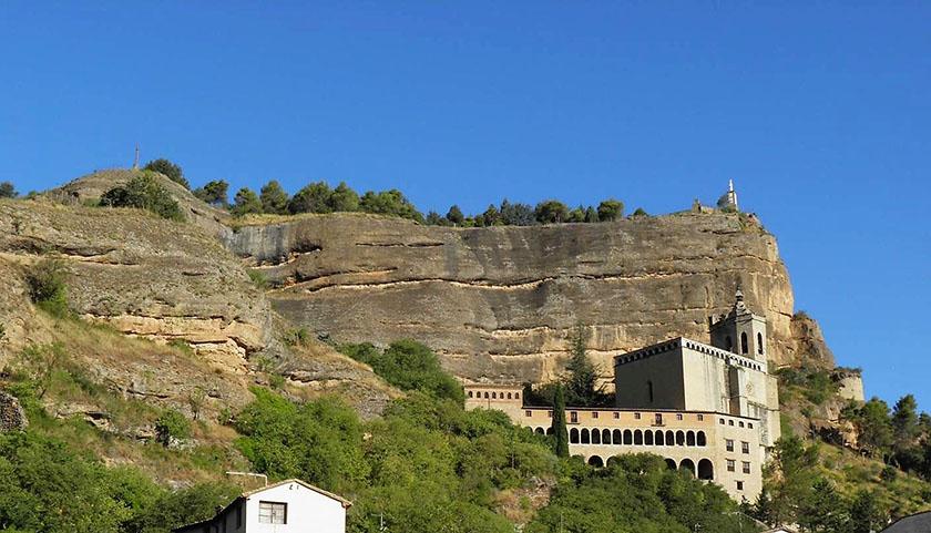 Sobre esta montaña se hallaba la fortaleza musulmana de Graus.