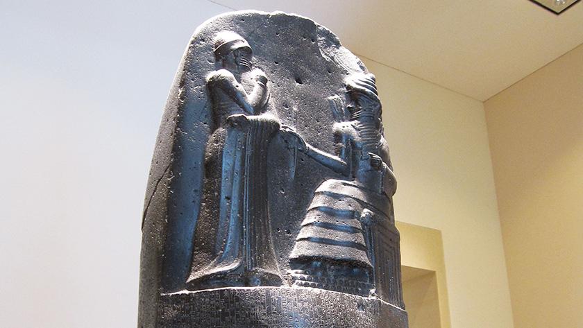 La entrega a Hammurabi de las leyes de Mesopotamia