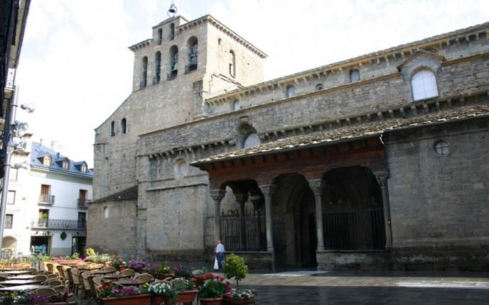 Catedral de Jaca erigida tras la muerte de Ramiro I