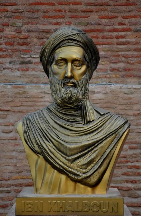 Ibn Jaldún.