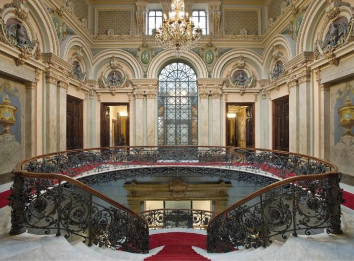 palacio-da-liberdade-interior com escada
