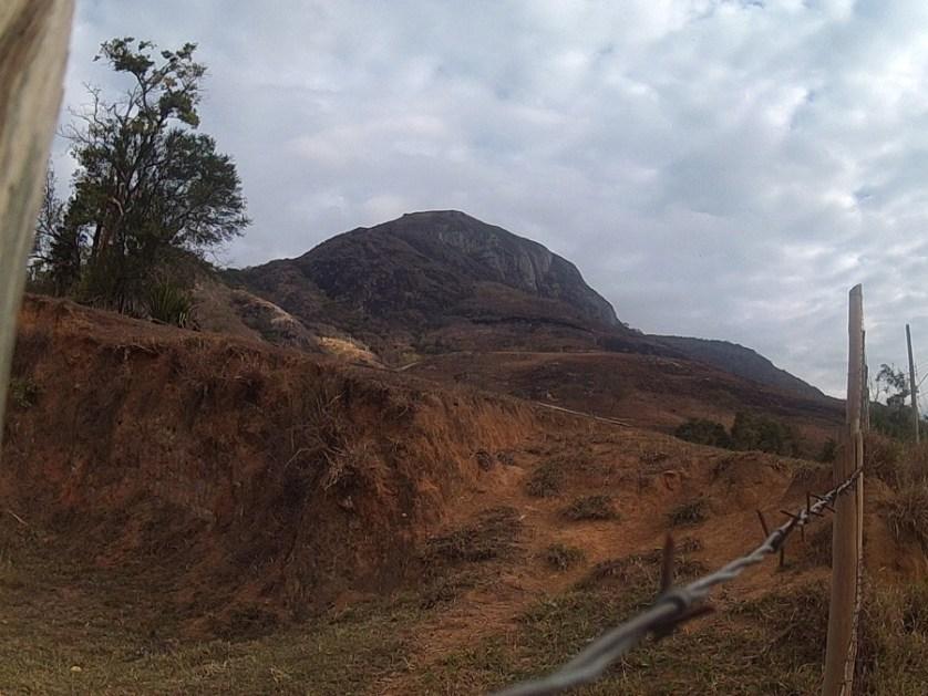 imagem-de-montanha-de-pedra