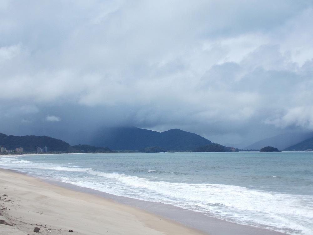 foto de montanha ao horizonte do mar - Aventuras em Caragua – 05 de outubro de 2016