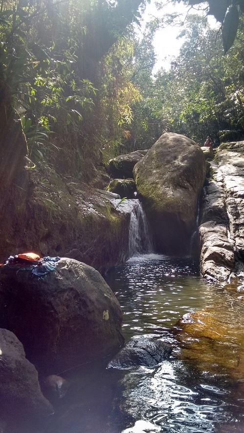 trindade e suas belezas naturais foto de cachoeira - Trindade. Belezas naturais praias e cachoeiras em harmonia.