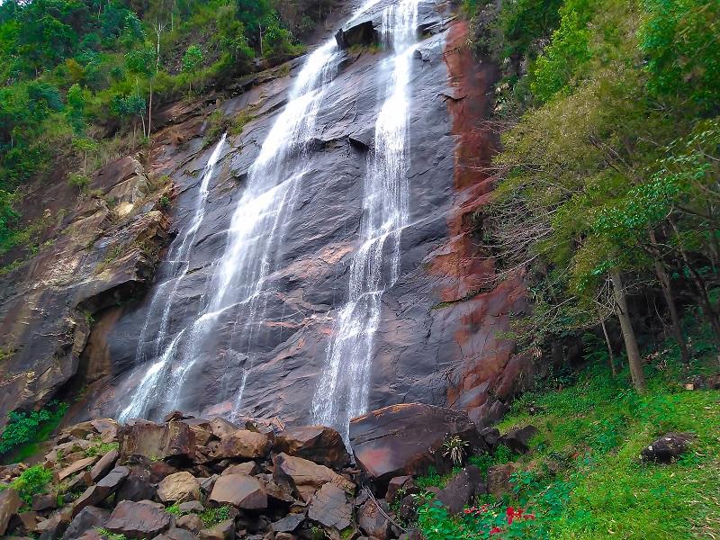 Castelo ES. A cidade das Cachoeiras e montanhas.