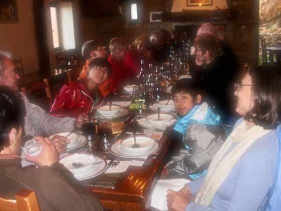 416カミーノ、サンティアゴ巡礼ピレネー、オリソンディナー全員