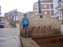 501 スペイン巡礼 カミーノ 子連れ海外 サント・ドミンゴ・デ・ラ・カルサーダ 途中 水道