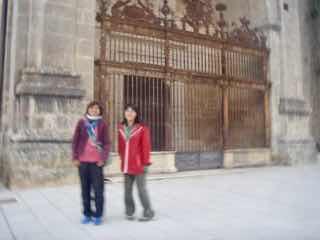 504 camino Spain pilgrim サンティアゴ巡礼子連れ 教会504 camino Spain pilgrim サンティアゴ巡礼子連れ アルベルゲ前 オルテガ風景風景