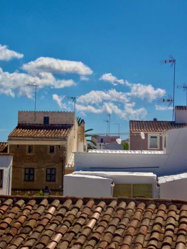 519メノルカ島 家 屋根メノルカハウス