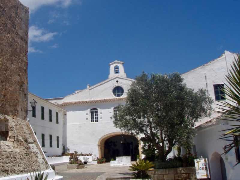 618メノルカ島Menorca 白い教会