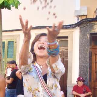 623メノルカ島 サン•フアン 馬祭り Menorca シウタデラ ヘーゼルナッツ投げ3