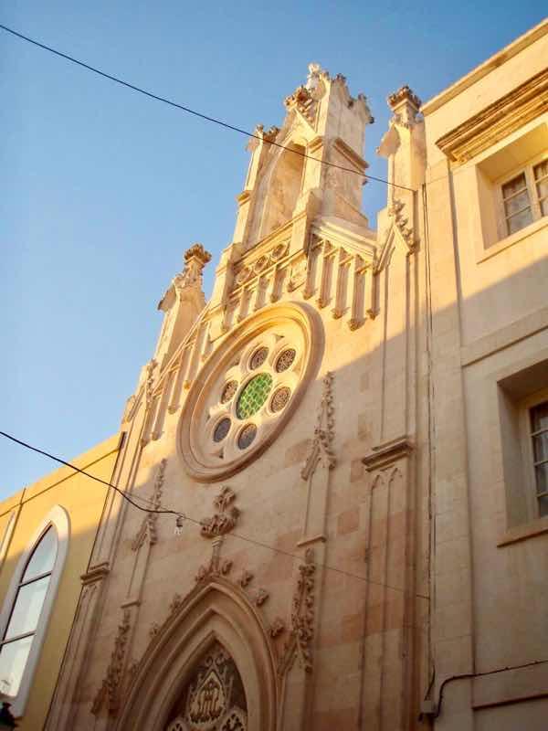 623メノルカ島 サン•フアン 馬祭り Menorca 円窓教会