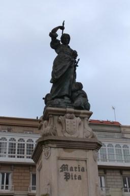 María Pita statue