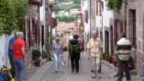 Hier beginnt der Camino Francés.