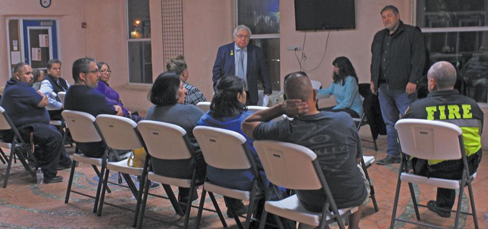 Reunión de la Comunidad con el Comisionado González