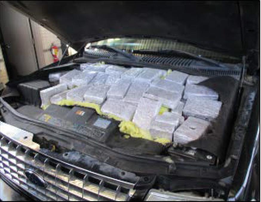 Fugitivos e incautación de drogas  mantienen ocupados los puertos de entrada