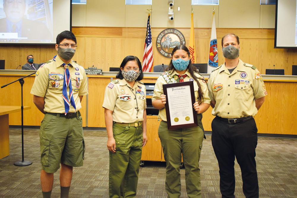 Primera mujer Boy Scout en recibir el premio Eagle Scout en Las Cruces