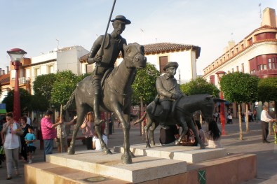 Alcázar de San Juan: Monumento a Don Quijote y Sancho Panza
