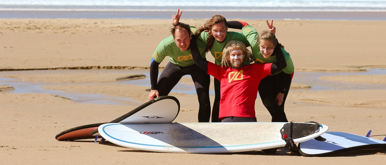 Camino Surfcamp Galicien Andi With Students Beachfun DE