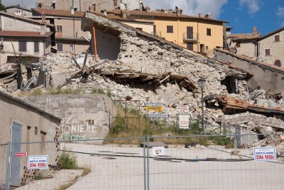 Cammino Terre Mutate Tappa 7 Norcia - Castelluccio di norcia il centro di castelluccio in macerie