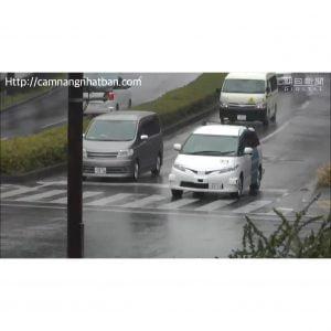Taxi không người lái chạy thử nghiệm trên đường