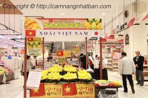 Quầy xoài Việt Nam trong siêu thị Nhật Bản