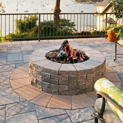 Firepits & Outdoor Kitchens