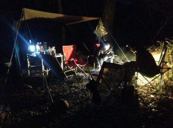 キャンプ場ではヘッドライトが便利