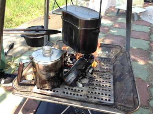 飯盒炊爨 蒸らす