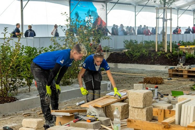 12_Landscape_Gardening_Competitors_at_ES2021