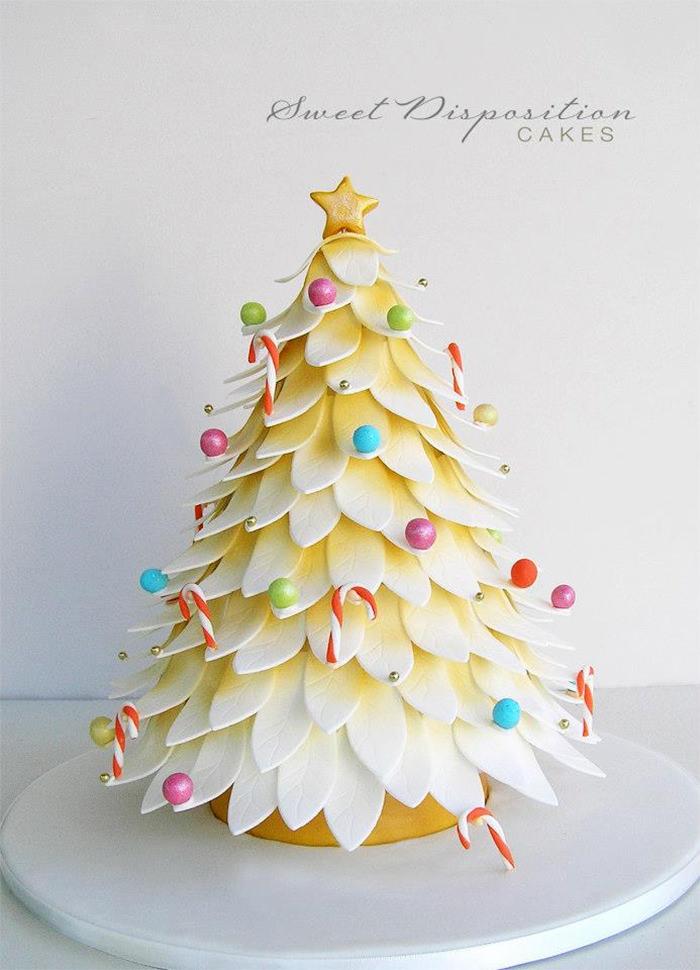 33-creative-christmas-cakes