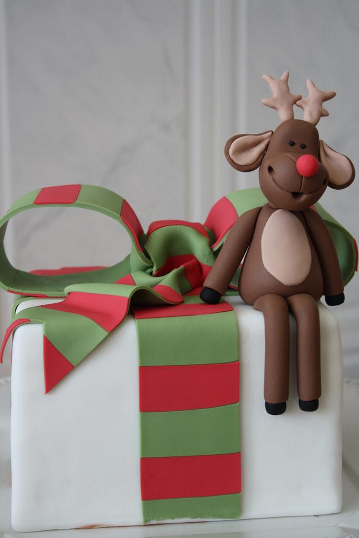 48-creative-christmas-cakes