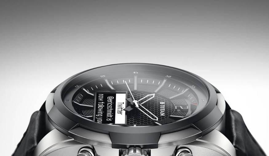 Titan- JUXT-smartwatch-1