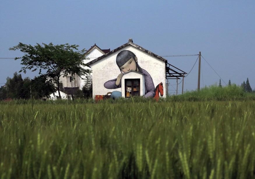 Murals-of-Faceless-Figures-Seth-9-cotw