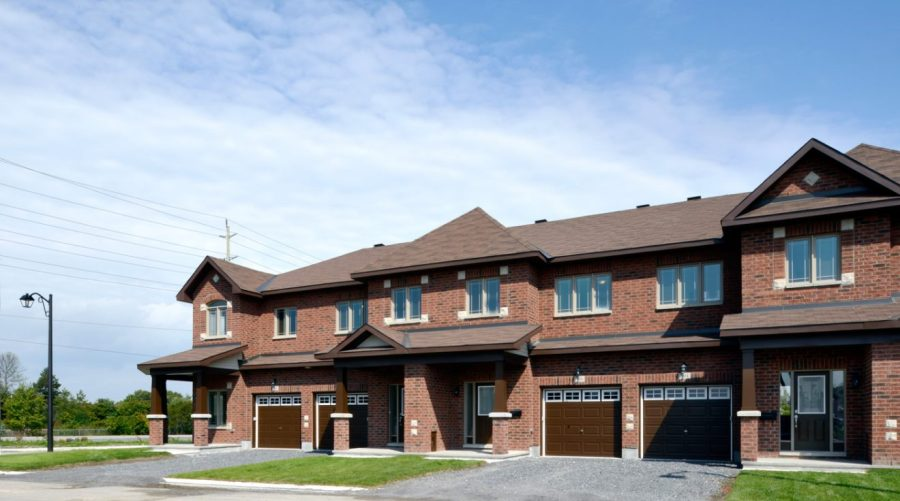 Executive Townhome -Longfields Station