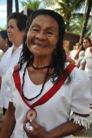 Senhora durante a festa da bandeira do Divino Espírito Santo, 2012, Daniela Fernandes Alarcon.