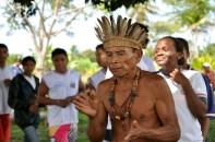 Indígenas durante ritual, 2012, por Daniela Alarcon.
