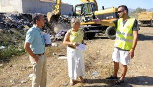Teresa Porras visitando en Arroyo de Los Asperones