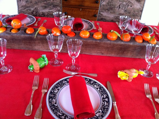 The center decoration is an old Mexican sugar mold which I filled with satsumas