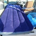 エアベッドをパジェロミニ車中泊と自宅エアベッドとして使う。自動注入式マットとも比較。
