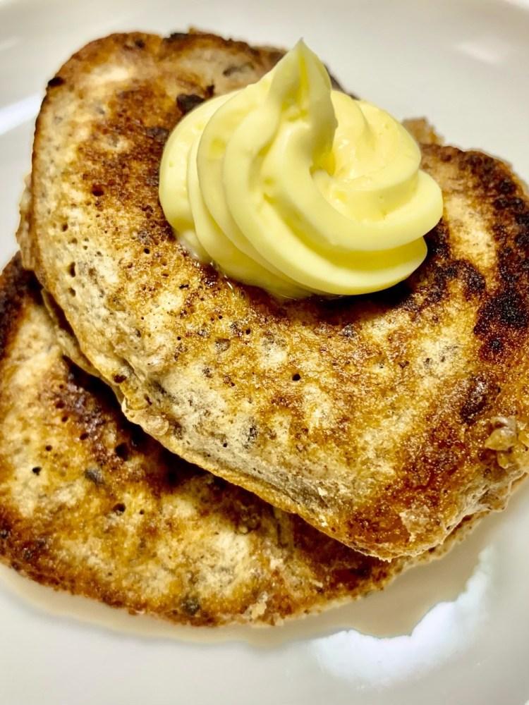 バターのせどんぐりパンケーキ