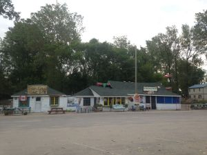 22 ice cream shop & store & restaurant