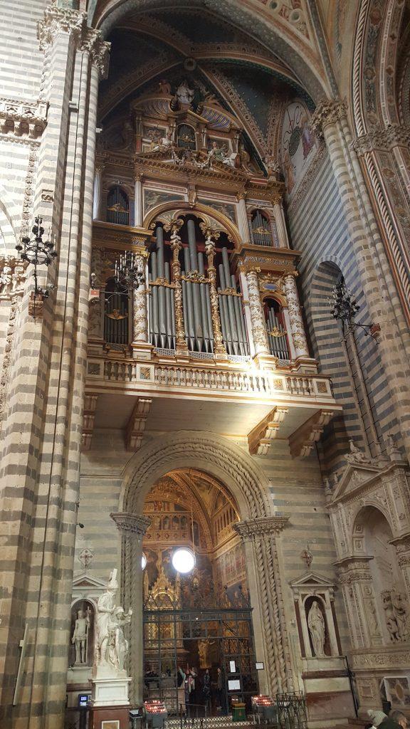 Orgel des Dom in Orvieto in der Toskana, Italien