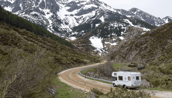 Average size of a RV gas Tank (And its relation to mileage