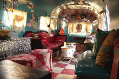 Awesome Vintage Camper Decorations Ideas01