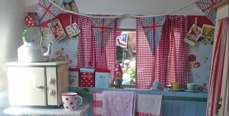 Awesome Vintage Camper Decorations Ideas06