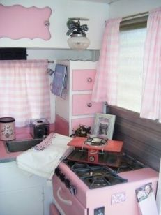 Awesome Vintage Camper Decorations Ideas15