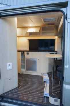Van Home 37
