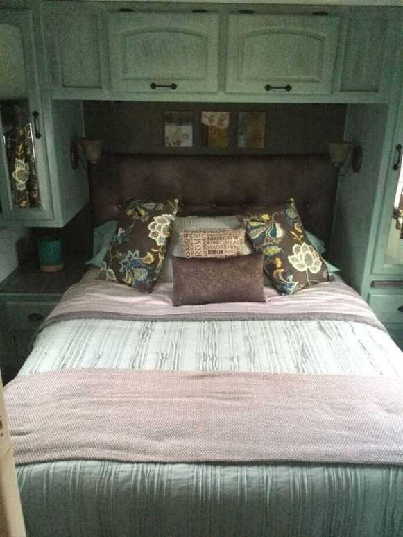 Camper Bedroom 8